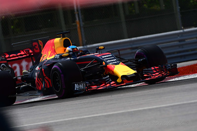 No.3 Daniel Ricciardo.