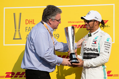 Lewis Hamilton presented with 2019 DHL Fastest Lap Award