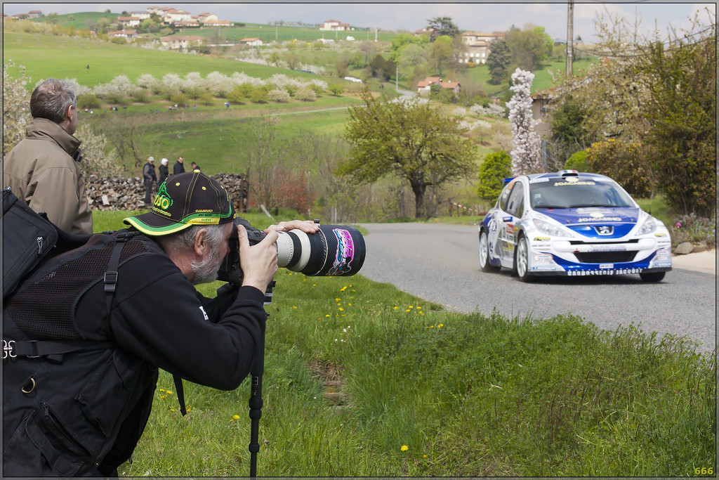 IMAGE: http://photos.corbi.eu/Formula-One/2012-04-13-Rally-de/i-V9Zcg4j/0/XL/MG9730-copie-XL.jpg