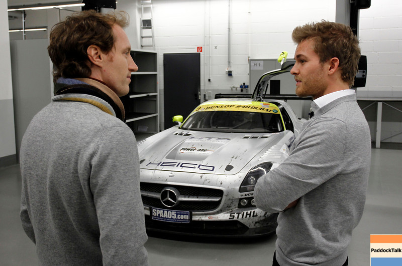 Motorsports / Formula 1: World Championship 2011, Besuch Nico Rosberg vor einem SLS AMG GT3 bei der HWA AG, Thomas Jaeger ( SLS AMG GT3 Fahrer )