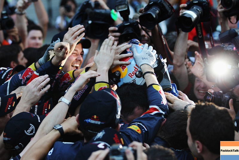 GEPA-09101199037 - FORMULA 1 - Grand Prix of Japan. Image shows the rejoicing of Sebastian Vettel (GER/ Red Bull Racing). Keywords: team, photographer. Photo: Getty Images/ Mark Thompson - For editorial use only. Image is free of charge