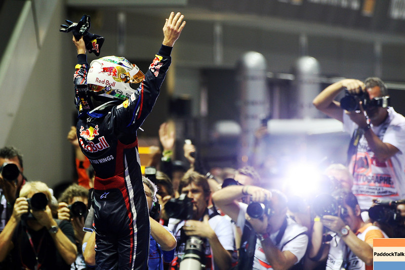GEPA-25091199011 - FORMULA 1 - Grand Prix of Singapore. Image shows the rejoicing of Sebastian Vettel (GER/ Red Bull Racing) with camera mans. Photo: Getty Images/ Ker Robertson - For editorial use only. Image is free of charge