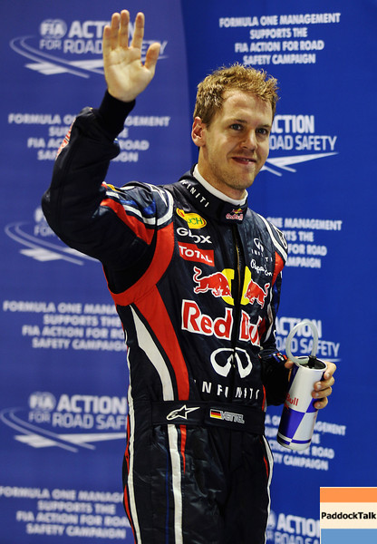 GEPA-24091199017 - FORMULA 1 - Grand Prix of Singapore. Image shows the rejoicing of Sebastian Vettel (GER/ Red Bull Racing). Photo: Getty Images/ Mark Thompson - For editorial use only. Image is free of charge