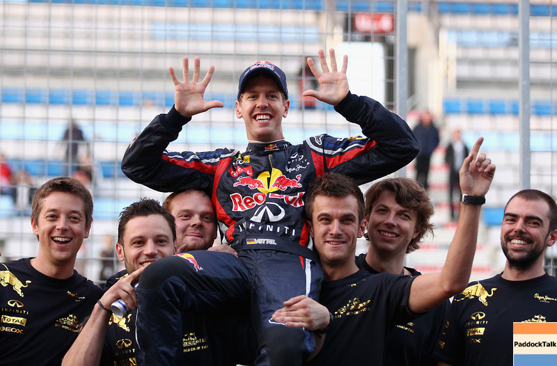 GEPA-16101199019 - FORMULA 1 - Grand Prix of South Korea, Korean International Circuit. Image shows the rejoicing of Sebastian Vettel (GER/ Red Bull Racing) and the RED Bull Racing Team. Photo: Getty Images/ Clive Mason - For editorial use only. Image is free of charge