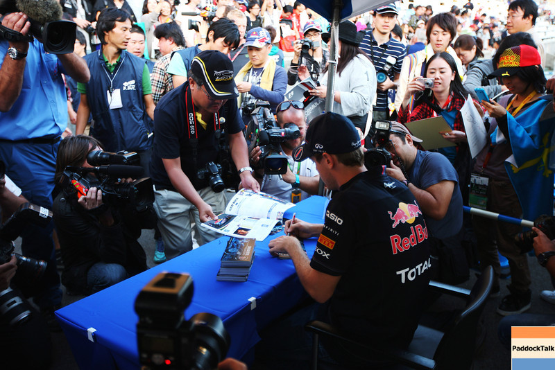 GEPA-06101199005 - FORMULA 1 - Grand Prix of Japan, preview. Image shows Sebastian Vettel (GER/ Red Bull Racing). Keywords: autograph. Photo: Getty Images/ Mark Thompson - For editorial use only. Image is free of charge