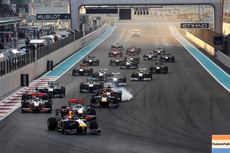 GEPA-13111199000 - FORMULA 1 - Grand Prix of Abu Dhabi, Yas Marina Circuit. Image shows Sebastian Vettel (GER/ Red Bull Racing) and Mark Webber (AUS/ Red Bull Racing). Keyword: start. Photo: Getty Images/ Mark Thompson - For editorial use only. Image is free of charge