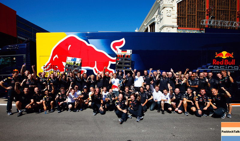 GEPA-26061199020 - FORMULA 1 - Grand Prix of Europe. Image shows the rejoicing of the Red Bull Racing Team with technical officer Adrian Newey and team principal Christian Horner (Red Bull Racing) in the front. Photo: Mark Thompson/ Getty Images - For editorial use only. Image is free of charge