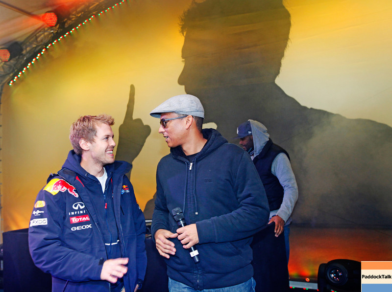 GEPA-22101199532 - FORMULA 1 - World Championship Party. Image shows Sebastian Vettel (GER/ Red Bull Racing) and  Xavier Naidoo. Photo: Getty Images/ Daniel Grund - For editorial use only. Image is free of charge