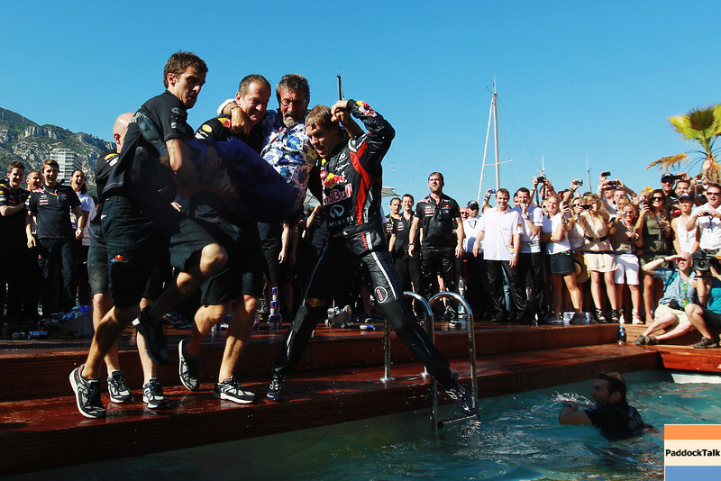 GEPA-29051199023 - FORMULA 1 - Grand Prix of Monaco. Image shows Sebastian Vettel (GER/ Red Bull Racing) and team mates dives into the Red Bull Racing Energy Station swimming pool. Photo: Paul Gilham/ Getty Images - For editorial use only. Image is free of charge