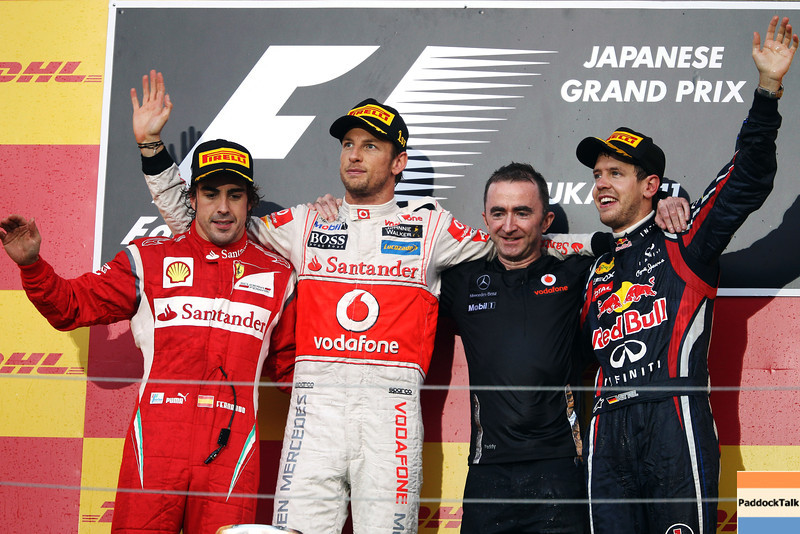 GEPA-09101199042 - FORMULA 1 - Grand Prix of Japan. Image shows Fernando Alonso (ESP/ Ferrari), Jenson Button (GBR/ McLaren Mercedes), Paddy Lowe (Technical Director/ McLaren Mercedes) and Sebastian Vettel (GER/ Red Bull Racing). Keyword: podium. Photo: Getty Images/ Mark Thompson - For editorial use only. Image is free of charge