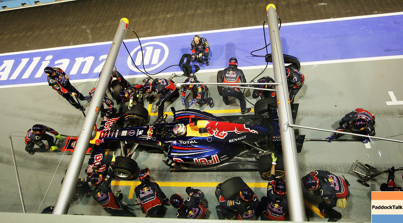 GEPA-25091199009 - FORMULA 1 - Grand Prix of Singapore. Image shows Sebastian Vettel (GER/ Red Bull Racing). Keywords: pit stop. Photo: Getty Images/ Ker Robertson - For editorial use only. Image is free of charge