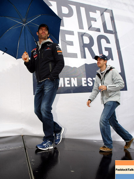 GEPA-15051181039 - SPIELBERG,AUSTRIA,15.MAY.11 - MOTORSPORT, FORMULA 1 - Open House Day Red Bull Ring, project Spielberg. Image shows Mark Webber (AUS) and Sebastian Vettel (GER/ Red Bull Racing). Photo: GEPA pictures/ Christian Walgram - For editorial use only. Image is free of charge.
