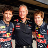 GEPA-24111199012 - FORMULA 1 - Grand Prix of Brazil, Interlagos. Image shows Mark Webber (AUS), team manager Jonathan Wheatley and Sebastian Vettel (GER/ Red Bull Racing). Photo: Getty Images/ Mark Thompson - For editorial use only. Image is free of charge