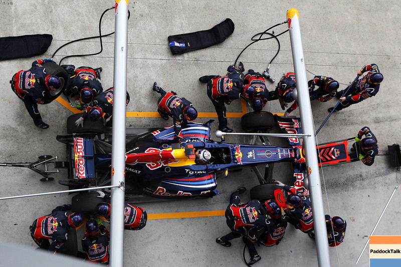 GEPA-10041199008 - FORMULA 1 - Grand Prix of Malaysia, Sepang Circuit. Image shows Sebastian Vettel (GER/ Red Bull Racing). Keyword: pitstop. Photo: Getty Images/ Mark Thompson - For editorial use only. Image is free of charge