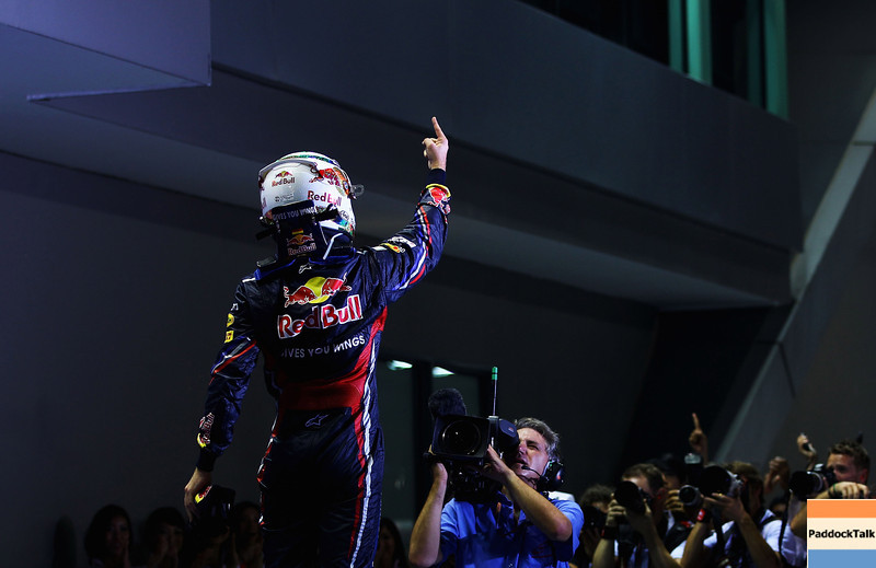 GEPA-25091199014 - FORMULA 1 - Grand Prix of Singapore. Image shows the rejoicing of Sebastian Vettel (GER/ Red Bull Racing). Keywords: camera man. Photo: Getty Images/ Vladimir Rys - For editorial use only. Image is free of charge