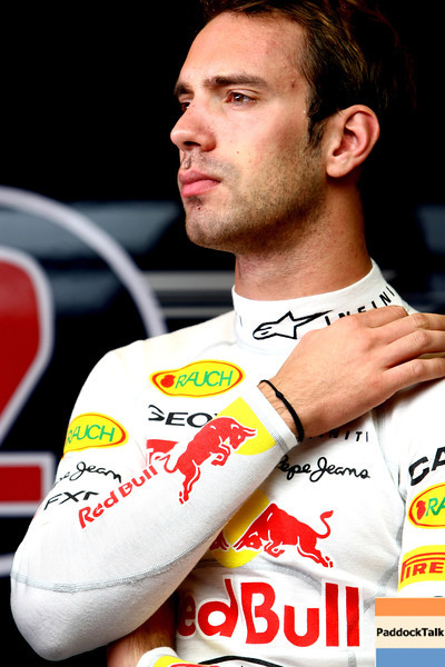 GEPA-16111199015 - FORMULA 1 - Testing in Abu Dhabi, Yas Marina Circuit, Young-Driver-Test. Image shows test driver Jean-Eric Vergne (FRA/ Red Bull Racing).  Photo: Getty Images/ Andrew Hone - For editorial use only. Image is free of charge