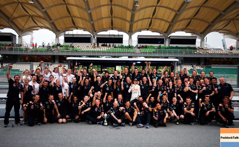 GEPA-10041199026 - FORMULA 1 - Grand Prix of Malaysia, Sepang Circuit. Image shows the rejoicing of the team of Red Bull Racing with Sebastian Vettel (GER/ Red Bull Racing) in the middle. Photo: Getty Images/ Mark Thompson - For editorial use only. Image is free of charge