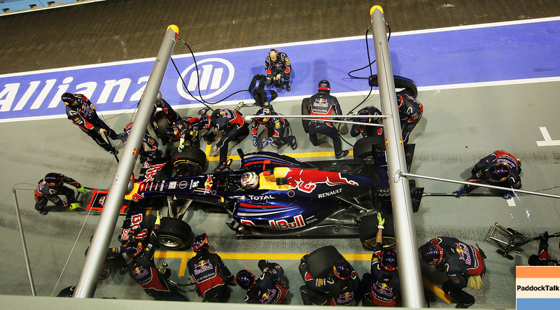 GEPA-25091199017 - FORMULA 1 - Grand Prix of Singapore. Image shows Sebastian Vettel (GER/ Red Bull Racing). Keywords: Pit Stop. Photo: Getty Images/ Ker Robertson - For editorial use only. Image is free of charge
