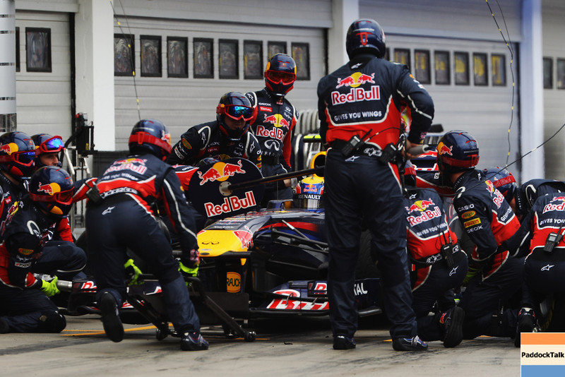 GEPA-31071199013 - FORMULA 1 - Grand Prix of Hungary, Hungaroring. Image shows Mark Webber (AUS/ Red Bull Racing). Keywords: pit stop. Photo: Getty Images/ Mark Thompson - For editorial use only. Image is free of charge