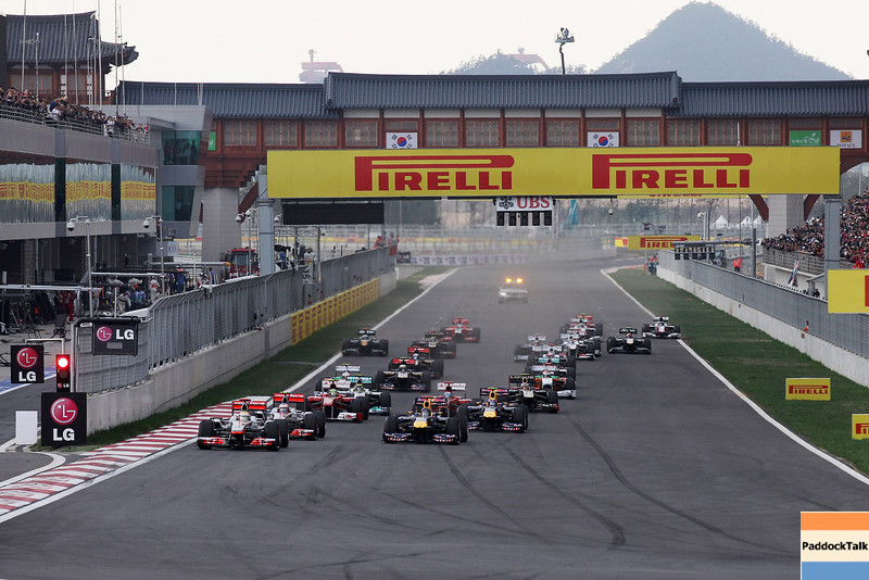 GEPA-16101199010 - FORMULA 1 - Grand Prix of South Korea, Korean International Circuit. Image shows Lewis Hamilton (GBR/ McLaren Mercedes) and Sebastian Vettel (GER/ Red Bull Racing). Photo: Getty Images/ Mark Thompson - For editorial use only. Image is free of charge