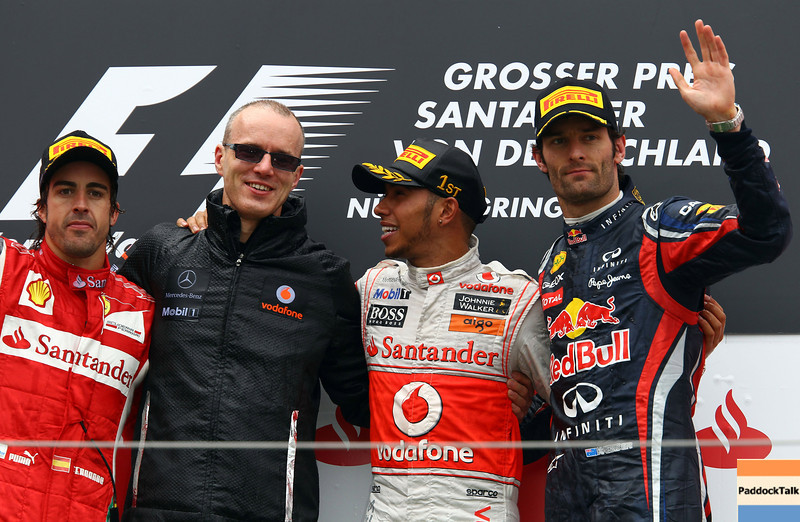GEPA-24071199022 - FORMULA 1 - Grand Prix of Germany, Nuerburgring. Image shows Fernando Alonso (ESP/ Ferrari), a McLaren crew member, Lewis Hamilton (GBR/ McLaren Mercedes) and Mark Webber (AUS/ Red Bull Racing). Keywords: award cermony, podium. Photo: Getty Images/ Julian Finney - For editorial use only. Image is free of charge
