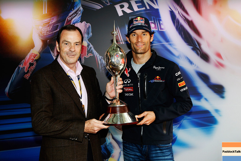 GEPA-09071199024 - FORMULA 1 - Grand Prix of Great Britain. Image shows chairman Alan Gow (Motor Sports Association) and Mark Webber (AUS/ Red Bull Racing). Keyword: Hawthorn Trophy. Photo: Getty Images/ Mark Thompson - For editorial use only. Image is free of charge