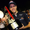 GEPA-25091199048 - FORMULA 1 - Grand Prix of Singapore. Image shows Sebastian Vettel (GER/ Red Bull Racing). Keywords: trophy. Photo: Getty Images/ Mark Thompson - For editorial use only. Image is free of charge