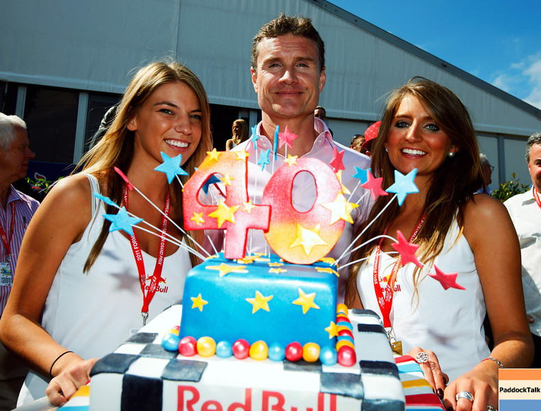 GEPA-27031199006 - FORMULA 1 - Grand Prix of Australia, Red Bull Australia Pavilion. Image shows David Coulthard (Red Bull Racing). Keyword: birthday cake. Photo: Getty Images/ Robert Cianflone - For editorial use only. Image is free of charge