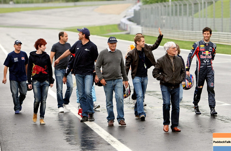 GEPA-14051181085 - SPIELBERG,AUSTRIA,14.MAY.11 - MOTORSPORT, FORMULA 1 - Media Day Red Bull Ring, project Spielberg. Image shows Bernie Ecclestone, Niki Lauda, Sebastian Vettel (GER/ Red Bull Racing), Mark Webber (AUS/ Red Bull Racing), Heinz Kinigadner, Gerhard Berger and Raimund Baumschlager (AUT/ Skoda). Photo: GEPA pictures/ Christian Walgram - For editorial use only. Image is free of charge.