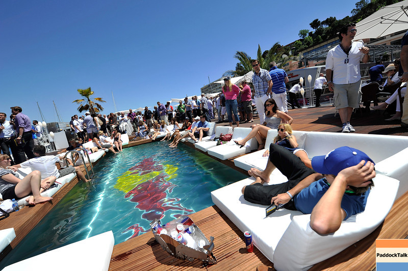 GEPA-28051199508 - FORMULA 1 - Grand Prix of Monaco. Image shows guests on the Red Bull Energy Station. Keywords: swimming pool. Photo: Gareth Cattermole/ Getty Images - For editorial use only. Image is free of charge
