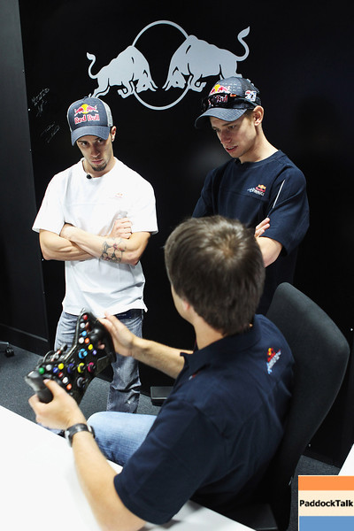 GEPA-08061199015 - FORMULA 1, MOTOGP - MotoGP Riders Visit Red Bull Factory. Image shows Andrea Dovizioso (ITA) and Casey Stoner (AUS/ Honda). Photo: Getty Images/ Bryn Lennon - For editorial use only. Image is free of charge