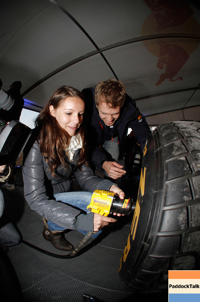 GEPA-22101199527 - FORMULA 1 - World Championship Party. Image shows Sebastian Vettel (GER/ Red Bull Racing). Keywords: tire change. Photo: Getty Images/ Daniel Grund - For editorial use only. Image is free of charge