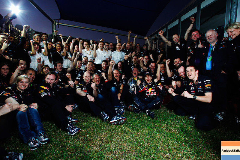 GEPA-27031199033 - FORMULA 1 - Grand Prix of Australia. Image shows the rejoicing of the Red Bull Racing Team with team principal Christian Horner, motorsport consultant Helmut Marko and Sebastian Vettel (GER/ Red Bull Racing). Keyword: trophy. Photo: Getty Images/ Mark Thompson - For editorial use only. Image is free of charge