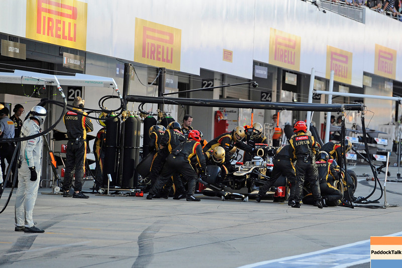 JAPANESE GRAND PRIX F1/2012 - SUZUKA 07/10/2012 - KIMI RAIKKONEN PIT STOP