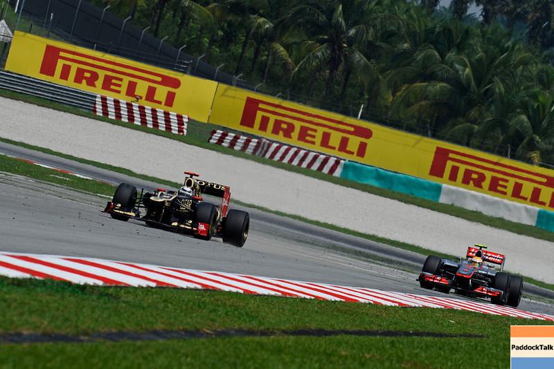 MALAYSIAN GRAND PRIX F1/2012 - KUALA LUMPUR 23/03/2012 - KIMI RAIKKONEN - LEWIS HAMILTON