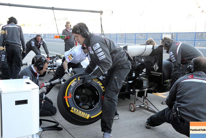 JEREZ (SPAIN) 10/02/2012 - TEST F1/2012 - SAUBER PIT STOP