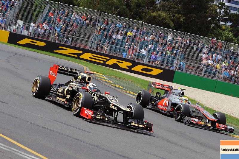 AUSTRALIAN GRAND PRIX F1/2012 - MELBOURNE 16/03/2012 - KIMI RAIKKONEN - LEWIS HAMILTON