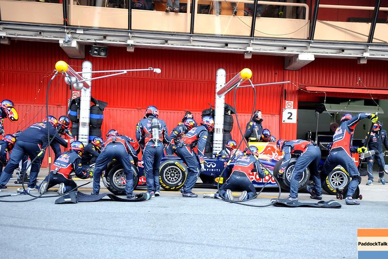 BARCELLONA (SPAIN) 24/02/2012 - TEST F1/2012 - PIT STOP RED BULL MARK WEBBER Courtesy of Pirelli