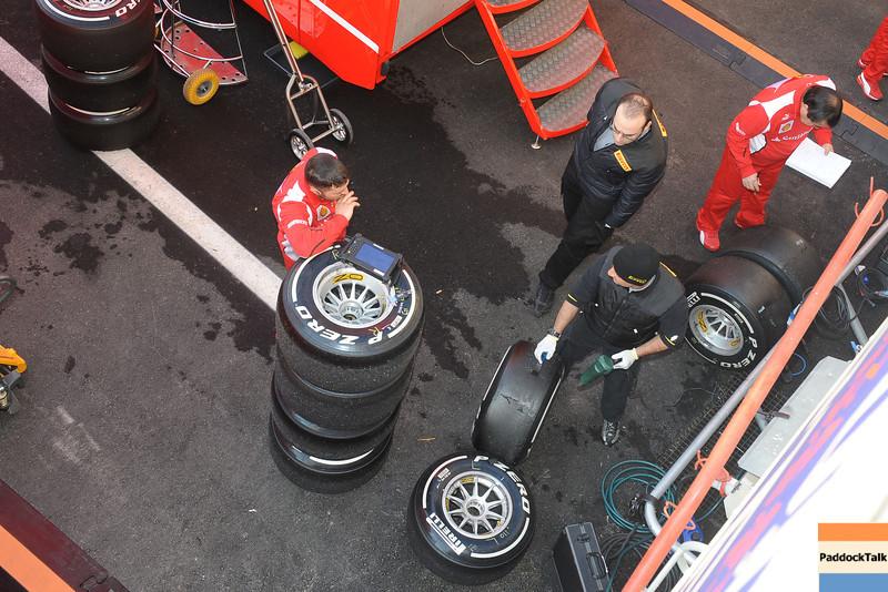 BARCELLONA (SPAIN) 22/02/2012 - TEST F1/2012 - TECHNICIANS Courtesy of Pirelli