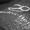 Formel 1, Grand Prix England 2012, Silverstone, 08.07.2012<br /> Mercedes AMG-Box<br /> Mercedes Logo, Regentropfen