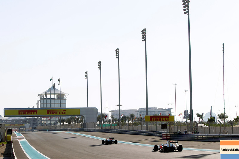 2011 Abu Dhabi Grand Prix - Saturday<br /> Yas Marina Circuit, Abu Dhabi, United Arab Emirates<br /> 12th November 2011.<br /> A view of the Yas Marina Circuit<br /> Photo: Andrew Ferraro/LAT Photographic <br /> ref: Digital Image _Q0C6896