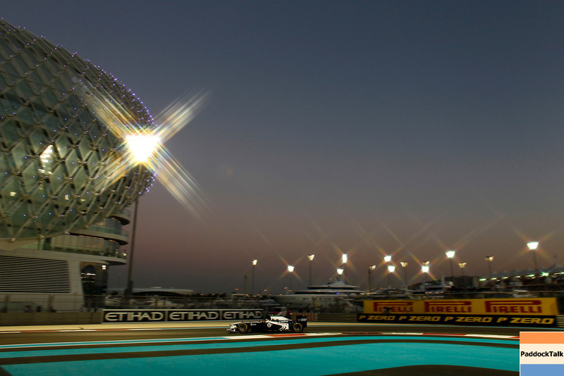 2011 Abu Dhabi Grand Prix - Saturday<br /> Yas Marina Circuit, Abu Dhabi, United Arab Emirates<br /> 12th November 2011.<br /> Rubens Barrichello, Williams FW33 Cosworth. <br /> Photo: Steven Tee/LAT Photographic <br /> ref: Digital Image _A8C4949