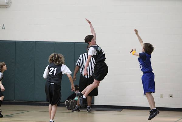 6th Grade Basketball 2-13-2010 -1072