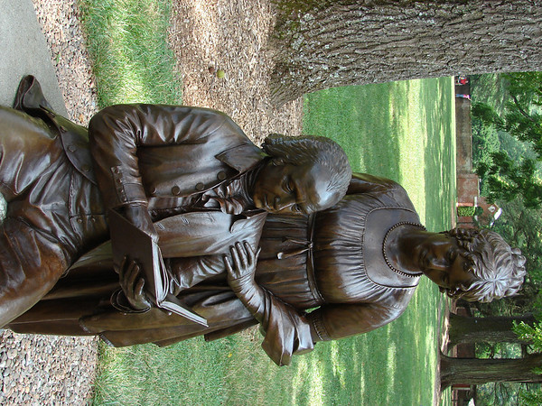 Bronze statue of James and Dolley Madison.