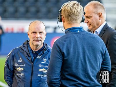 Sarpsborg 08s trener Geir Bakke og trener Dag Eilev Fagermo før kampen mellom Odd og Sarpsborg 08. Foto: Thomas Andersen