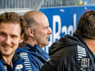Sarpsborg 08s trener Geir Bakke i kampen mellom Odd og Sarpsborg 08. Foto: Thomas Andersen