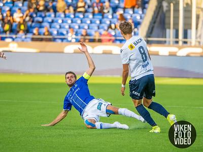 Sarpsborg 08s Joachim Thomassen og Stabæks Emil Bohinen i kampen mellom Sarpsborg 08 og Stabæk. Foto: Thomas Andersen