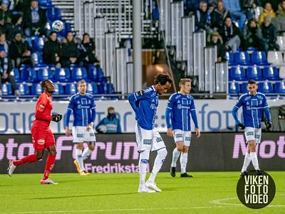 Sarpsborg 08s Amin Askar depper etter 0-1 i kampen mellom Sarpsborg 08 og Brann. Foto: Thomas Andersen