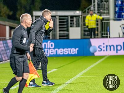 Branns trener Lars Arne Nilsen i kampen mellom Sarpsborg 08 og Brann. Foto: Thomas Andersen