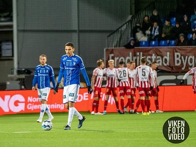 Sarpsborg 08s Mustafa Abdellaoue depper etter 0-1 i kampen mellom Sarpsborg 08 og Tromsø. Foto: Thomas Andersen